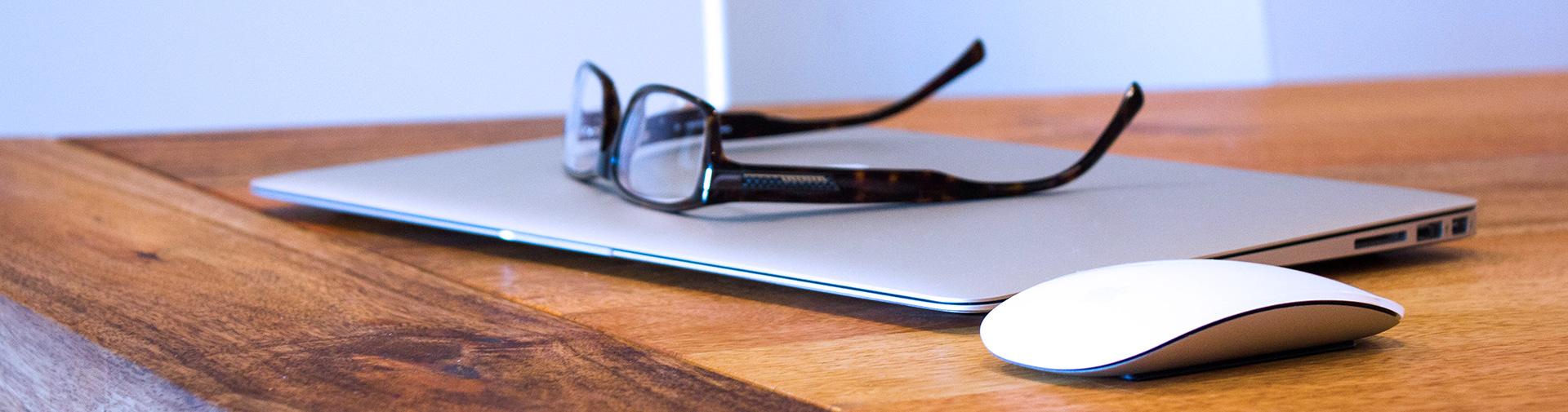 apple-desk-office-technology-banner