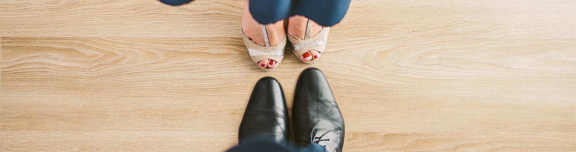 suit-couple-blue-shoes-banner